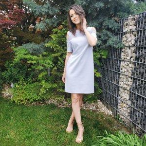 Kleid von italienische Designermarke Rinascimento, blau, gerader Schnitt