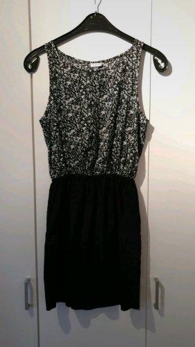 Kleid von Jaqueline de Yong