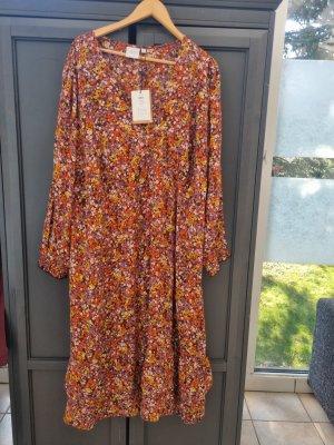 Kleid von Junarose bei Vero Moda in gr 52