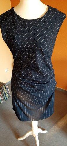 Kleid von Kaffe, in L, marineblau mit weißen Streifen, Nadelstreifen
