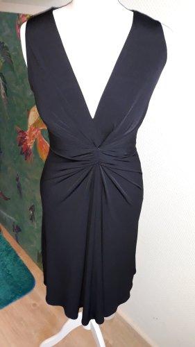 Kleid von Kara Makan