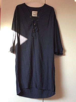 Kleid von Karen by Simonsen