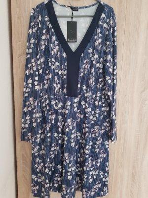 Kleid von Laura Scott Gr.48