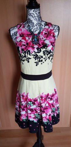 Kleid von Laura Scott mit Etikett