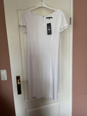Kleid von Luisa Cerano