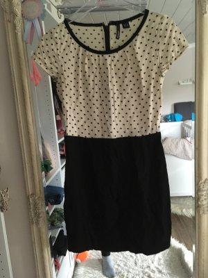 Kleid von Mango in beige schwarz mit Herzchen Größe XS