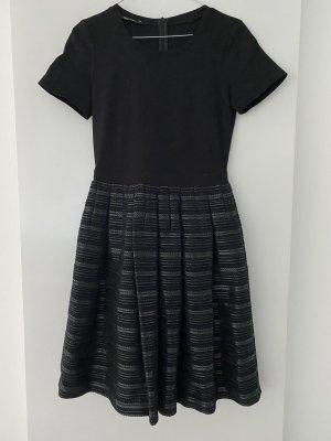 Kleid von Marc Aurel