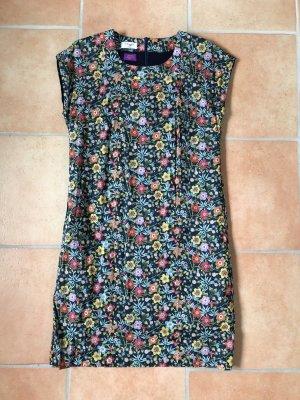 Kleid von Mayfair