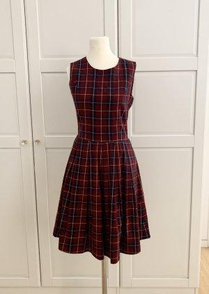 Kleid von Mint & Berry