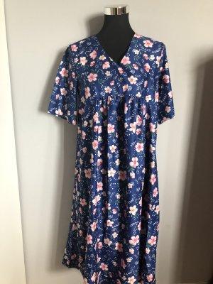 Kleid von Miss Look