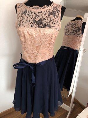 Kleid von Peek & Cloppenburg Marke Swing 38/40/ spitzen / 169€ gekostet