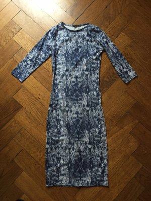 Kleid von Qed London