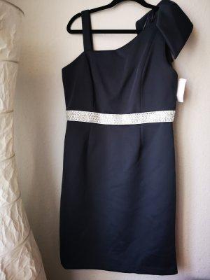 Kleid von R&M Richards