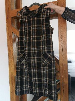 s.Oliver Selection Vestido de lana marrón-negro