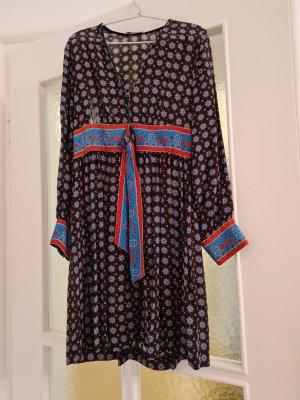 Kleid von Sandro in Größe 38