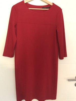 Kleid von She