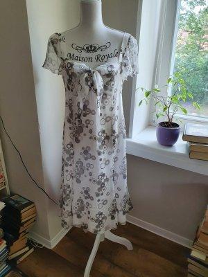 Kleid von St. Emile