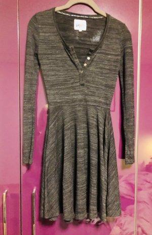 Kleid von Superdry grau Knöpfe sexy
