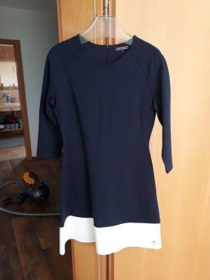 Kleid von Tommy Hilfiger neu mit Etikett