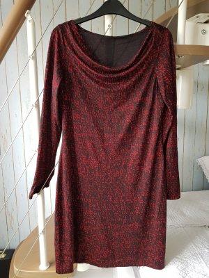 Kleid von Turnover.