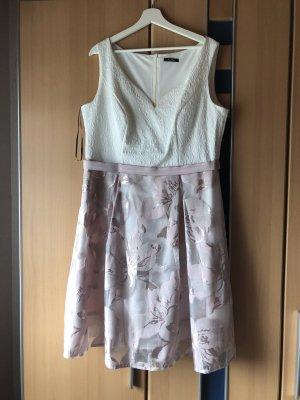 Kleid von Vera Mont