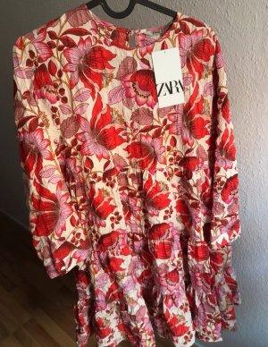 Kleid von Zara mit Blumenprint Volant neu