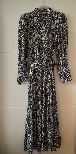 Kleid von Zara mit Gürtel S