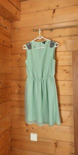 Kleid von Zara (Trafaluc) mit Schmucksteinbesatz