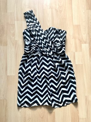 Robe asymétrique blanc-noir
