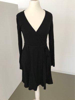 H&M Kopertowa sukienka czarny Modal