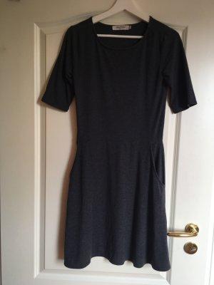 Kleid Wolle anthrazit dunkelgrau