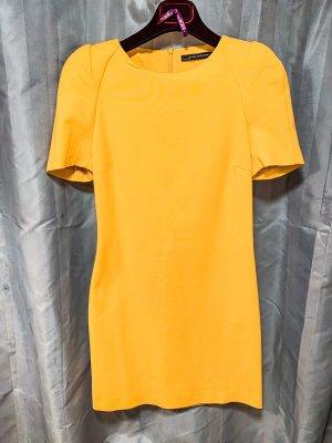 Kleid Zara gelb mit Schulterpolstern