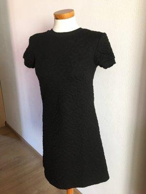 Kleid Zara schwarz muster xs 34 stiefelkleid kurzarm chic