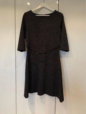 Kleid Zero A-Linie mit Gürtel