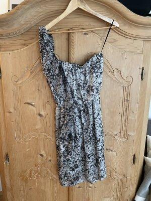 Kleidchen mit Volants