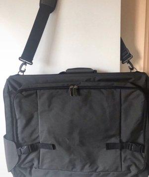 Kleidersack, Anzughülle, und extra Tasche  FILA
