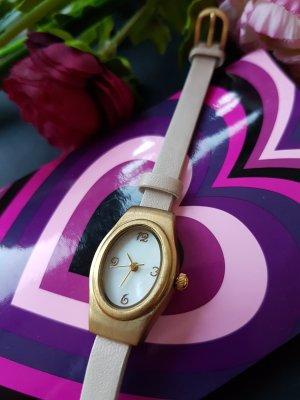 Kleine Armbanduhr mit Perlenzifernblatt von SIX