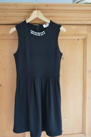 08/16 Robe trapèze noir polyester