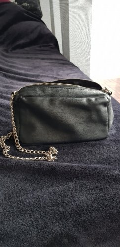 Bershka Gekruiste tas zwart-zilver