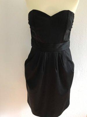 Kleine Schwarze von H & M Gr.38., sehr schick sieht  aus. LETZTE REDUZIERUNG!!!
