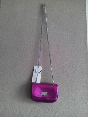 kleine Umhängetasche in pink, metallisch, neu