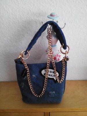 kleine Zara Umhängetasche aus Jeans mit Henkel und Kette als Schulterriemen, neu