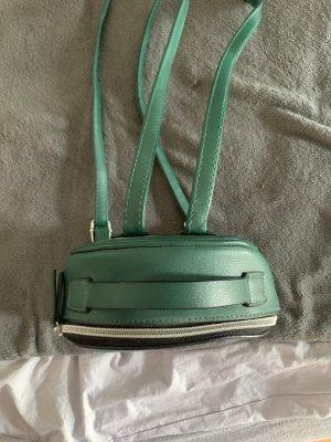 Kleiner grüner Rucksack