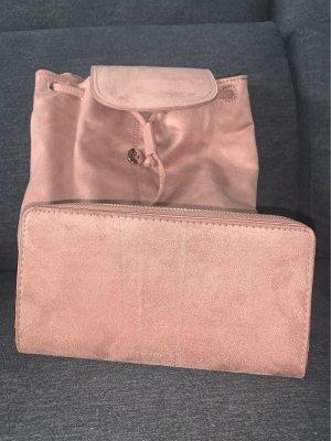 Kleiner Rucksack mit Portmonee