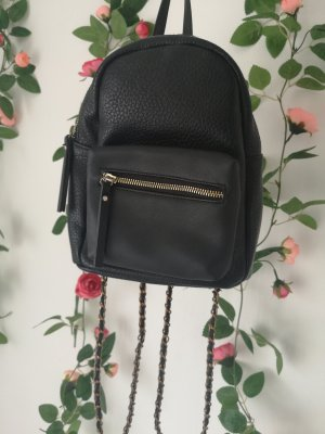 kleiner schwarzer Rucksack von Pieces