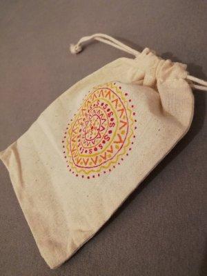 Kleines Baumwollsäckchen bemalt Mandala