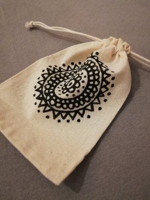 Kleines Baumwollsäckchen Mandala bemalt