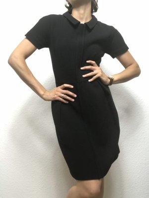Kleines elegantes Schwarzes Wollkleid