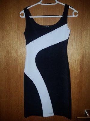 Sukienka ze stretchu biały-czarny