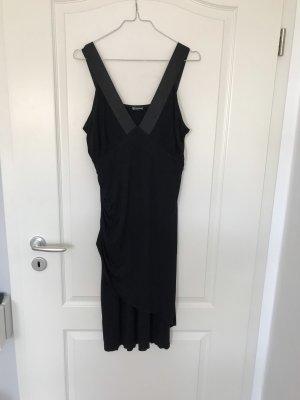 Kleines schwarzes Midi Kleid